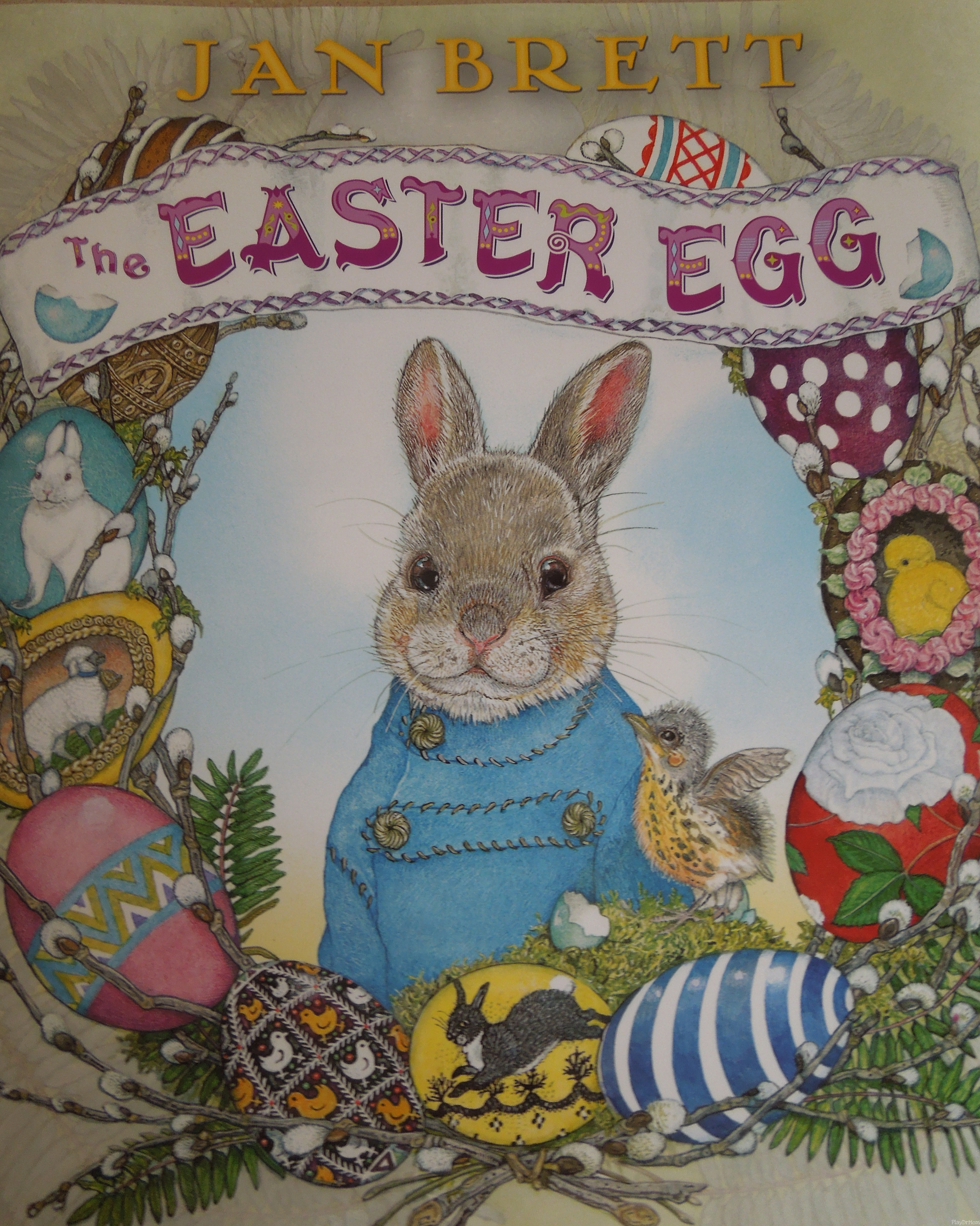 Jan Brett's The Easter Egg