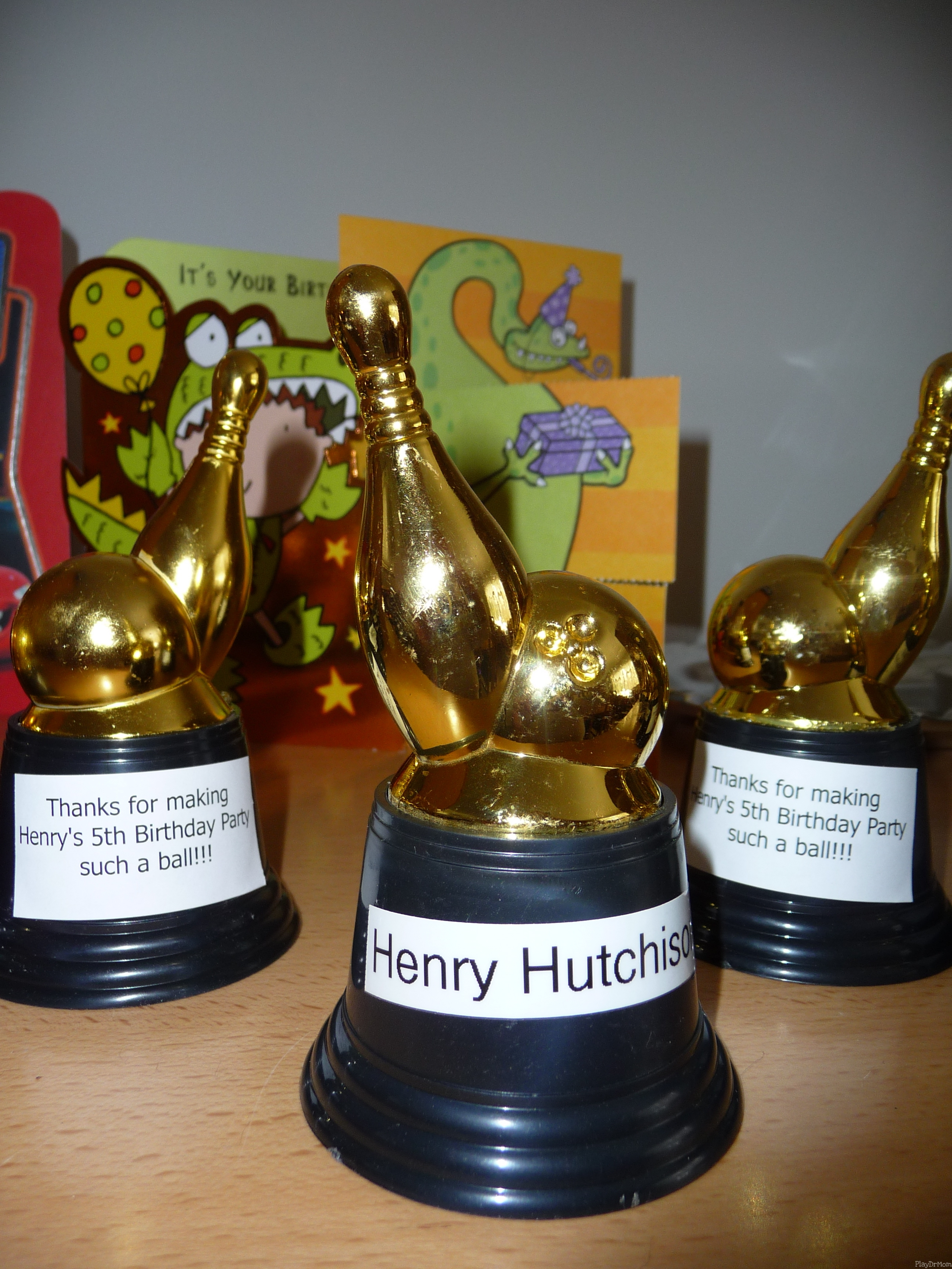 Bowling Party Trophy Favors