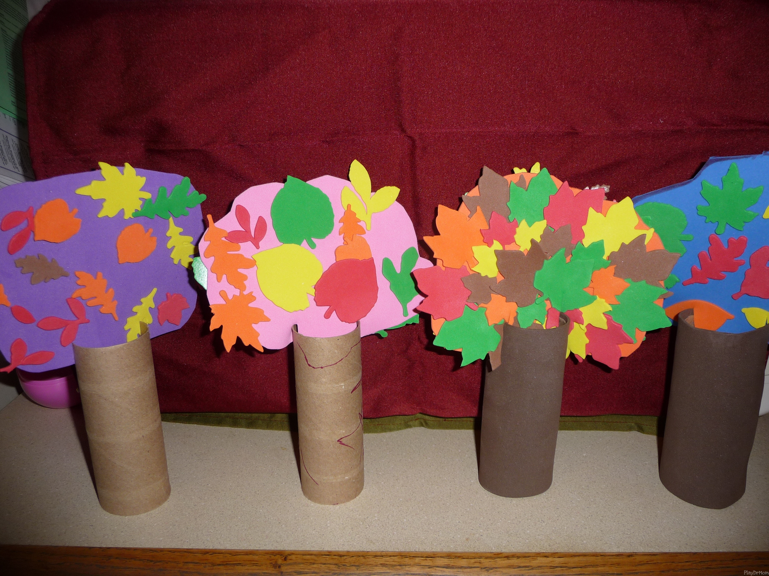 Kid kraft easy trees play dr mom for Kraft paper craft tubes